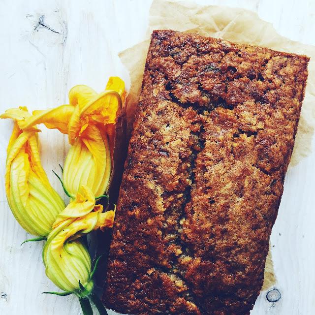 wegańskie ciasto z cukinii